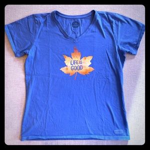 Life is Good Crusher Tee Maple Leaf 🍁Large